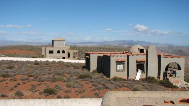 onafgewerkte villas