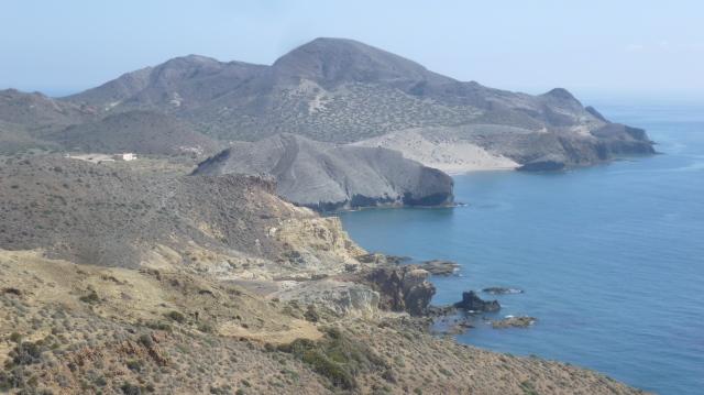 De kust is er uitzonderlijk mooi en wordt ook in veel films gebruikt.