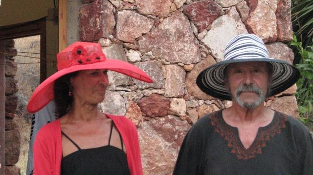 Frans mocht meelopen in de modeshow om de hoed die Leen voor hem maakte te tonen.