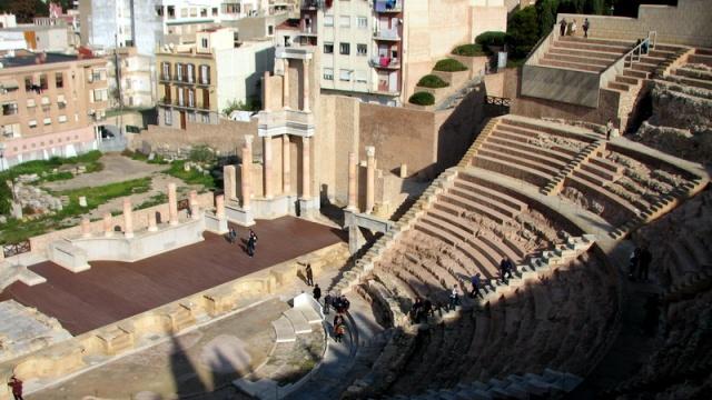 Het Romeinse theater in het centrum van de stad.